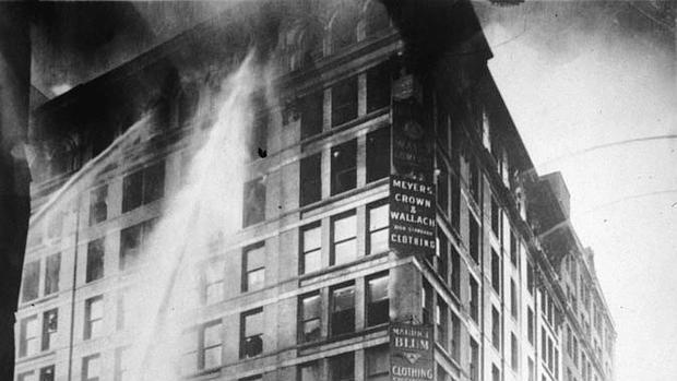 Incendio en la fábrica de indumentaria Triangle Shirwaist, barrio de Manhattan