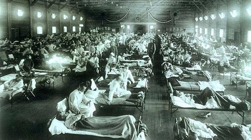 Hospital improvisado en Kansas durante el brote de gripe española