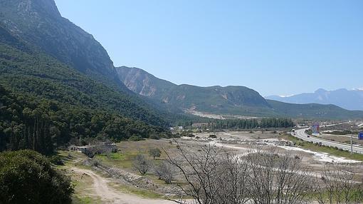 Vista del desfiladero de las Termópilas hoy