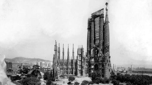 Estado de las obras de la Sagrada Familia en junio de 1926