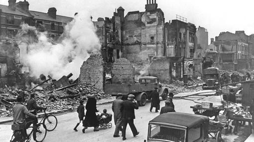 Londres, tras uno de los bombardeos