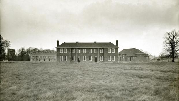 Imagen antigua del edificio de los pacientes de Aston Hall, en Derby, Reino Unido
