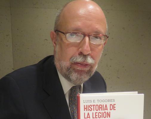Luis Eugenio Togores, durante la presentación de su libro