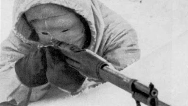 Simo Häyhä acudía a la batalla con una característica máscara blanca