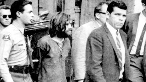Manson sale de testificar