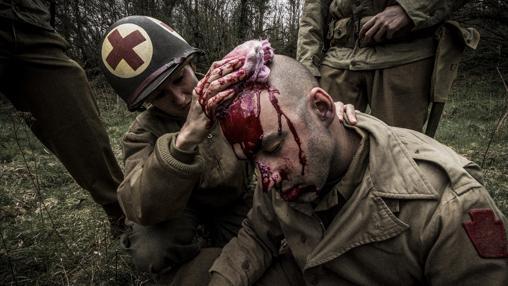 Representación de un herido en la batalla (dentro del documental de Mirasud)