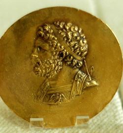 Retrato de Filipo II de Macedonia en una medalla de la victoria