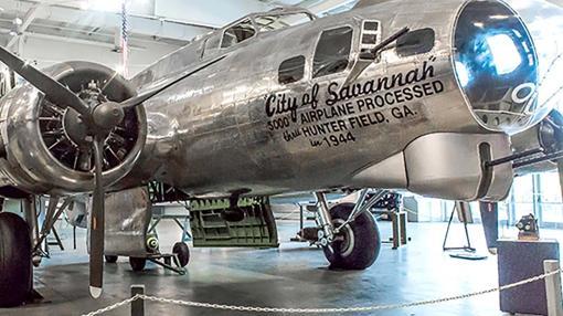 B-17 modelo G (con su característica barbilla)
