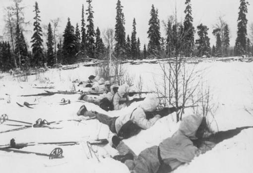Tropas finlandesas durante los combates. con los rusos
