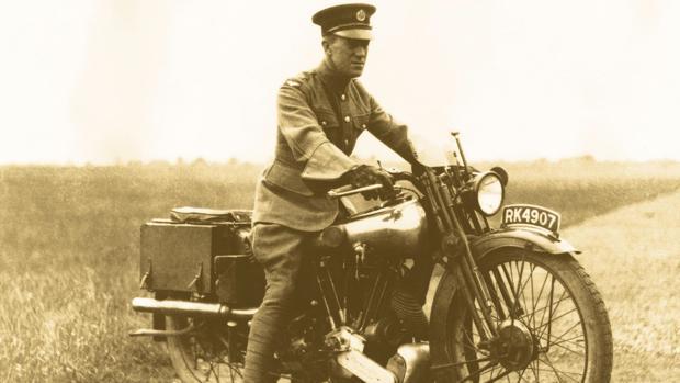 T. E Lawrence en moto