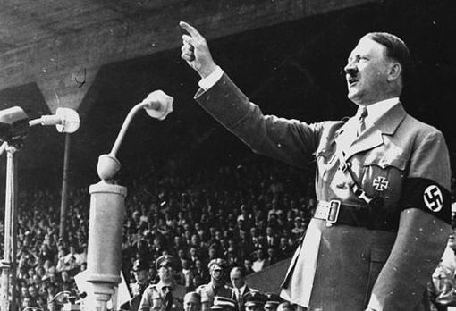 Hitler, en un discurso de 1937