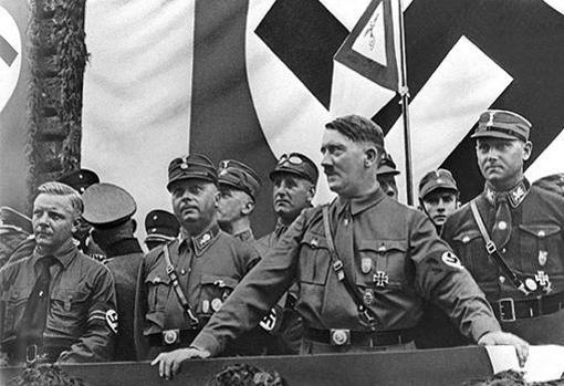 Adolf Hitler, tras alcanzar el poder en 1933