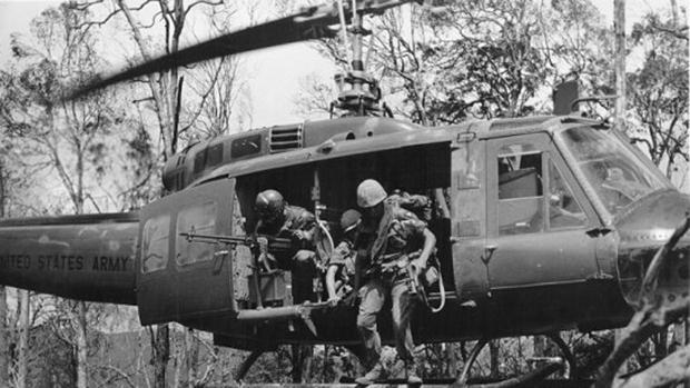 Resultado de imagen para Tras varias horas, el Ejército Norteamericano logró acceder al edificio desde el tejado y acabar con ellos. en saigon