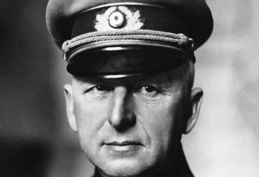 Von Manstein, encargado de reforzar al Sexto Ejército de Paulus