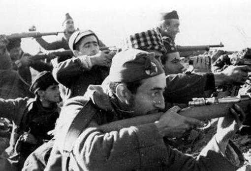 Milicianos en la defensa de Madrid