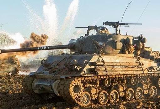 Carro de combate Sherman durante la película Fury