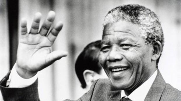 Nelson Mandela, el «humilde servidor» que destruyó la segregación racial en Sudáfrica