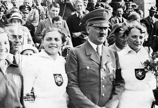 Hitler junto a «Tilly» Fleischer
