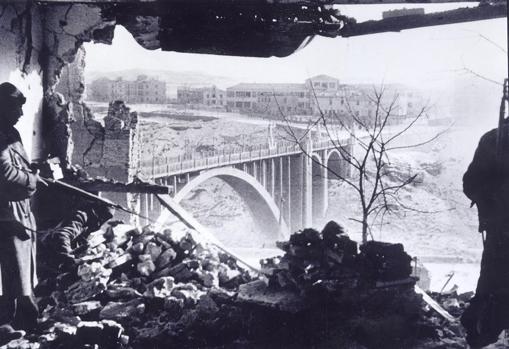 Imagen del fotógrafo húngaro tomada en la batalla de Teruel