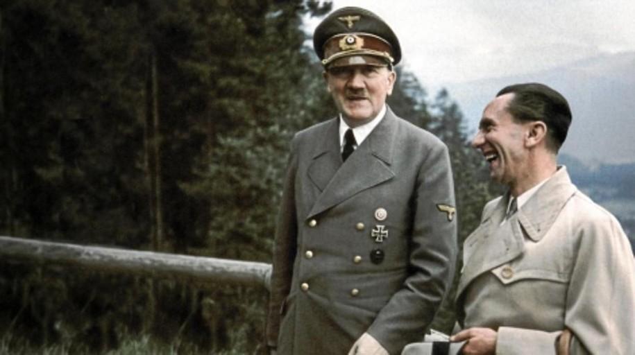 Bisexual y sadomasoquista: un informe secreto desvela la verdad tras la sexualidad de Adolf Hitler