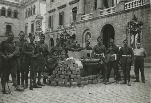 Cañones del ejército español usados para conseguir la rendición de los rebeldes