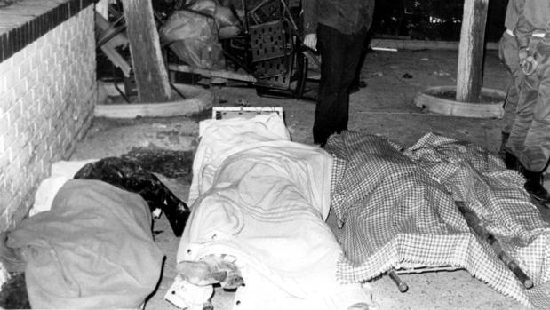 Cuatro de las 18 víctimas mortales que produjo el atentado islámico en el restaurante de El Descanso, el 12 de abril de 1985