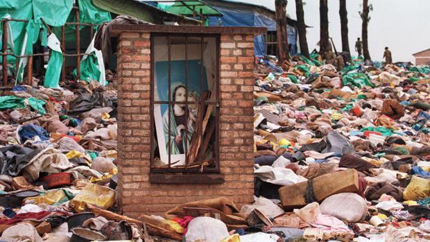 Imagen tomada el 26 de abril de 1995 en el campo de refugiados de Kibeho