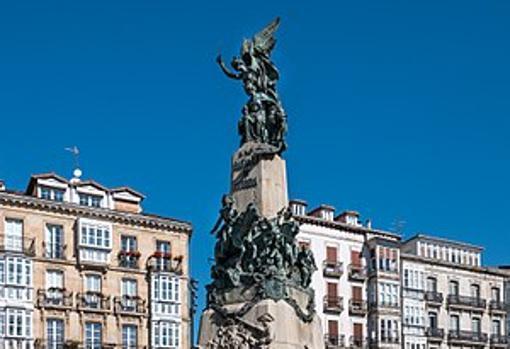 Monumento en recuerdo de la batalla de Vitoria