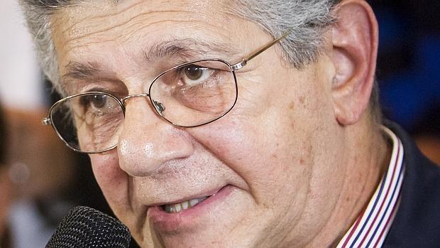 El miembro del comité ejecutivo de la alianza opositora Mesa de la Unidad Democrática (MUD) Henry Ramos Allup
