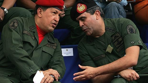 Chávez y Baduel (dcha.) en una imagen del año 2006