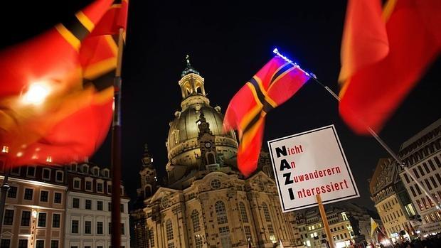 Incendio en Dresde durante la manifestación de Pegida