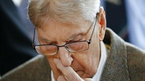 Alemania lleva a juicio a un guardia de Auschwitz acusado de ser cómplice de 170.000 asesinatos