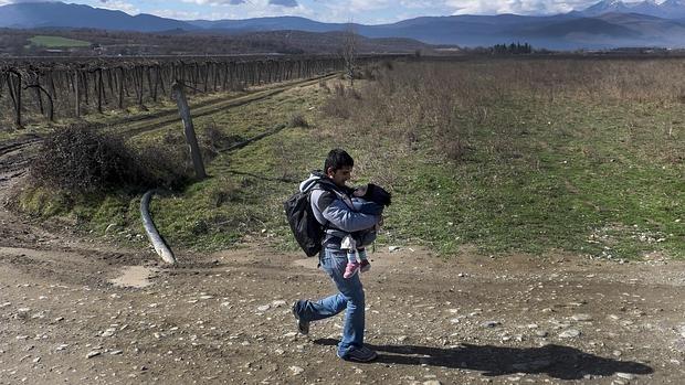 Merkel se opone a levantar más vallas contra la inmigración