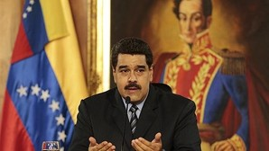 Maduro sube el precio de la gasolina y devalúa la moneda de 6,3 a 10 bolívares por dólar