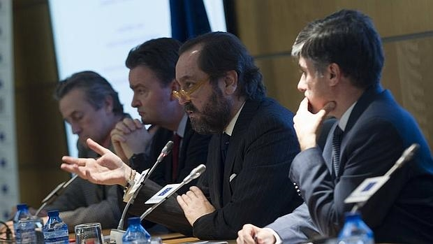 De izquierda a derecha, Hermann Tertsch, Jorge de Habsburgo, Ramón Pérez-Maura y Carlos Martín