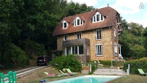 Alquilan en airbnb una casa en francia para celebrar una fiesta y se encuentra un cad ver en - Casas de alquiler en francia ...