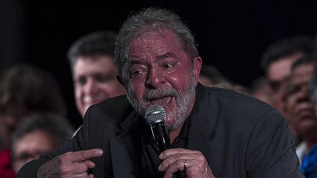 La policía brasileña registra la casa de Lula y otras propiedades de su familia