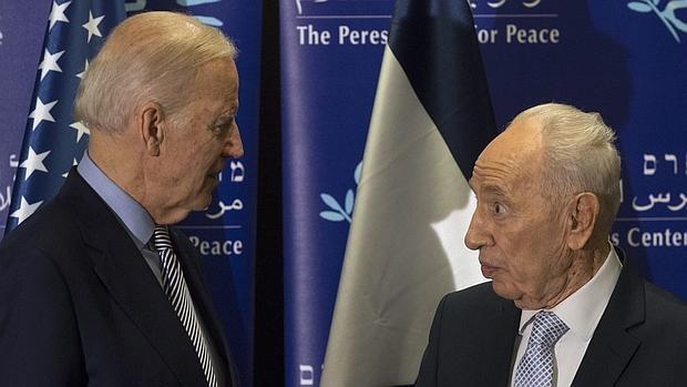 Biden aterriza en Tierra Santa en medio de una nueva jornada de ataques palestinos