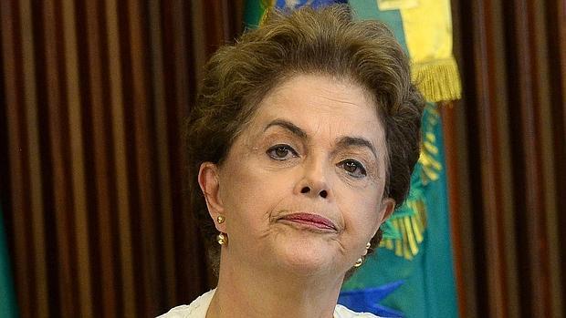 Millones de brasileños exigen en las calles la salida de Rousseff