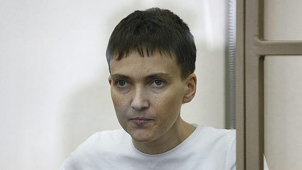 La piloto y diputada ucraniana Nadezhda Sávchenko hace su último alegato durante su juicio el pasado día 9
