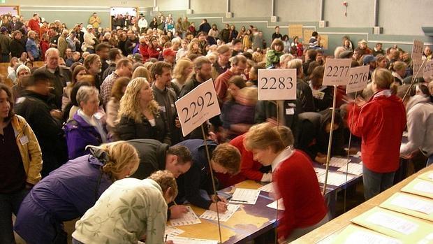 Imagen de las asambleas vecinales de los caucus demócratas en Washington (2008)