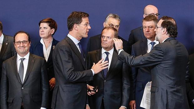 Varios líderes europeos, antes de posar para la foto de familia de la cumbre