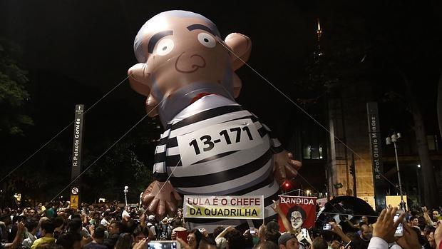Un momento de la manifestación en Brasilia contra Lula y Rousseff