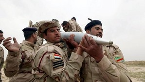 Un grupo de militares iraquíes combate a Daesh