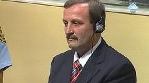 Milan Martic, durante su juiicio en La Haya