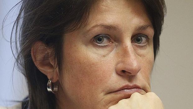 Dimite la ministra de Transporte belga por la polémica sobre la seguridad en los aeropuertos