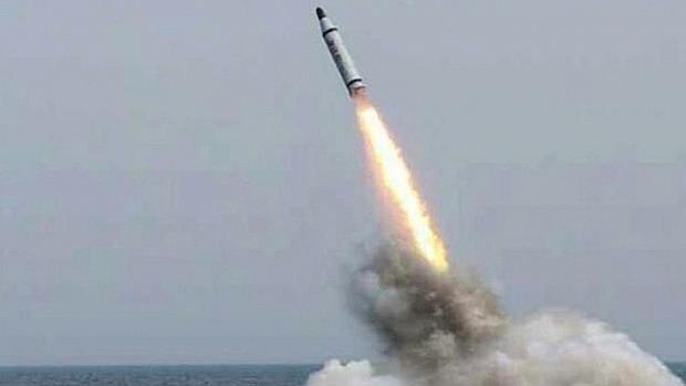 Resultado de imagen para corea del norte lanza misil balistico