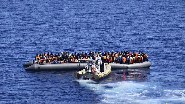Más de cien inmigrantes mueren en el Mediterráneo intentando cruzar de Libia a Italia