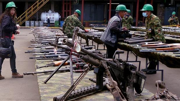 Colombia autoriza al ejército el bombardeo contra las bandas criminales del país