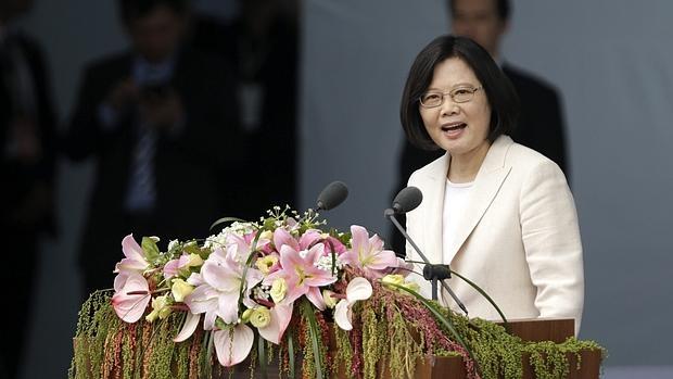 La nueva presidenta de Taiwán toma posesión apelando al diálogo con China